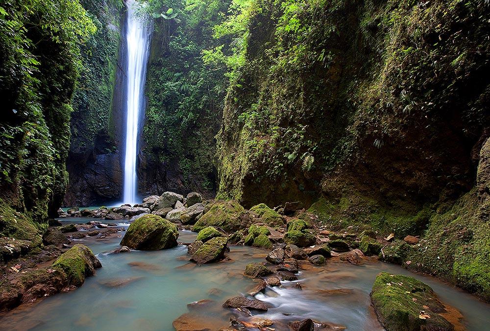 Casaroro Waterfall