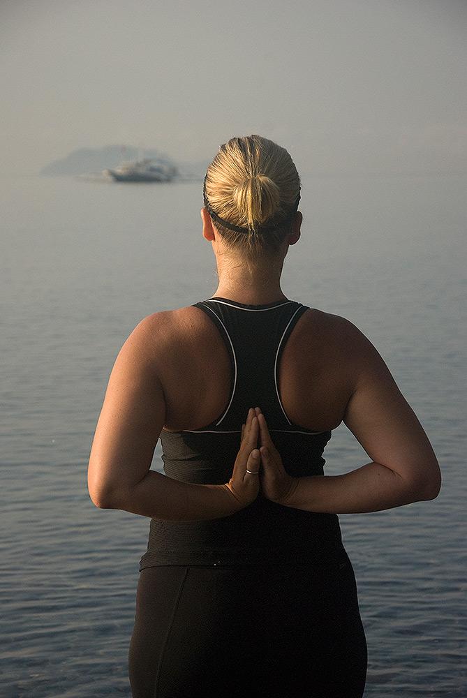 Yoga Apo Island