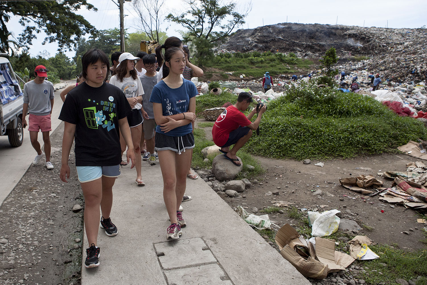 The students from Hong Kong also went for a walk to the dump site near the Soup Kitchen in Dumaguete