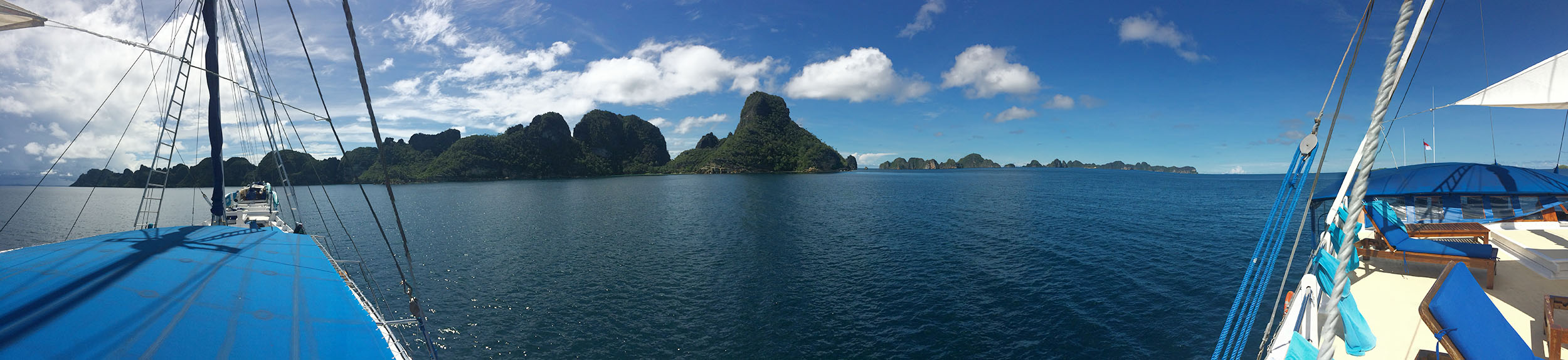 Raja Ampat with the Siren Fleet liveaboard and Atmosphere Resort