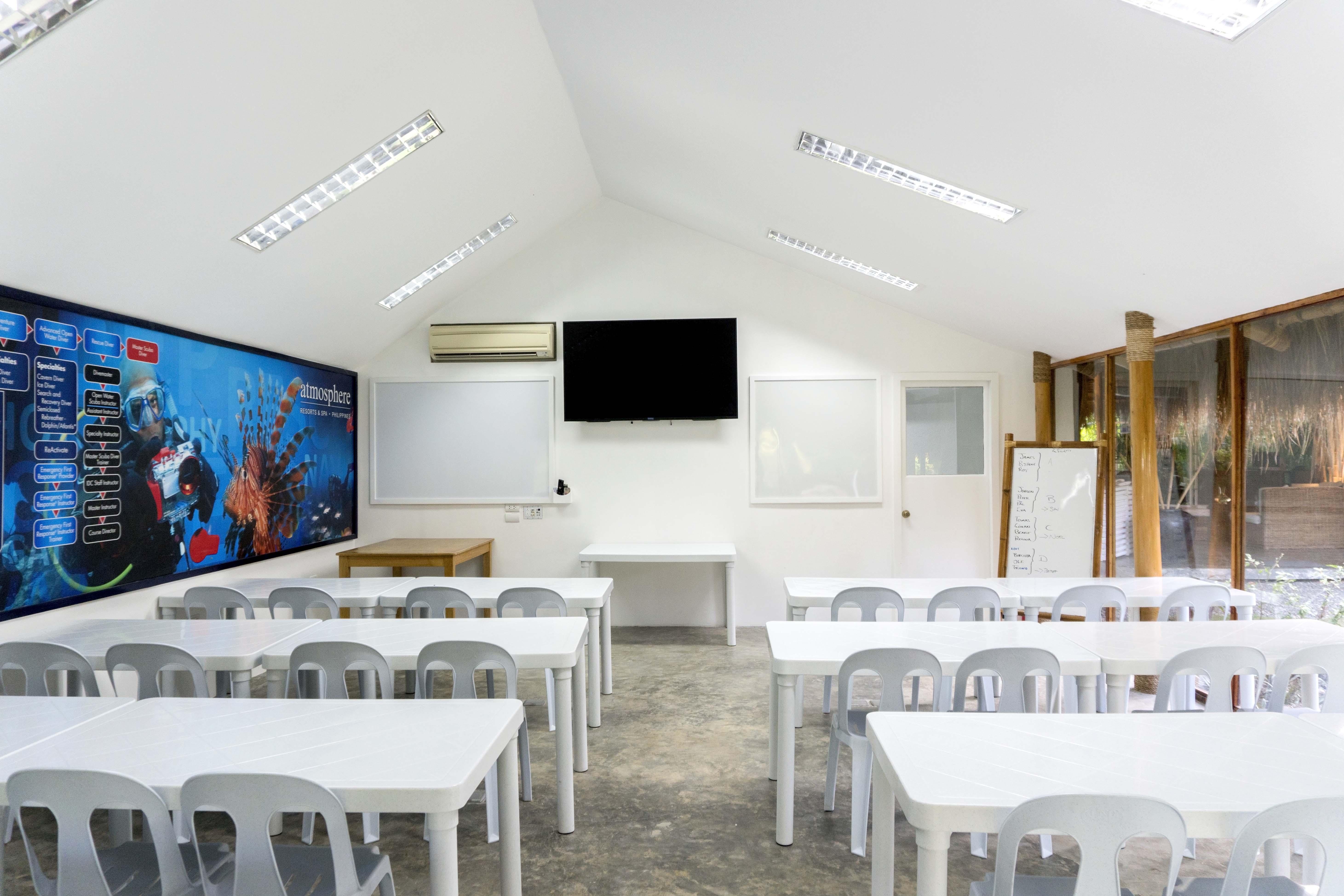 Atmosphere PADI Diving courses classroom enlargement